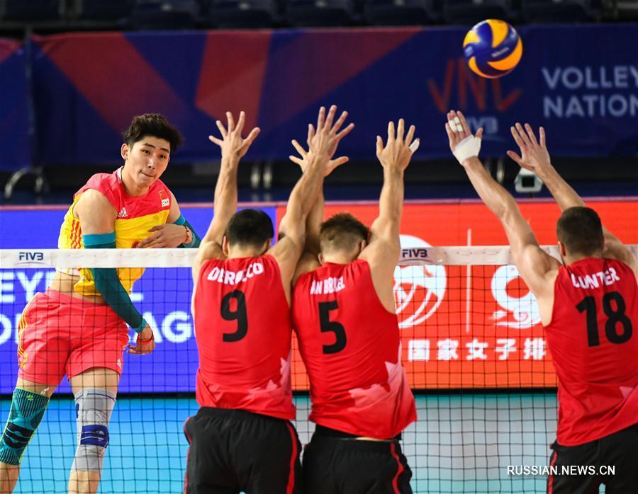 Китайские волейболисты проиграли сборной Канады в матче Лиги наций в Цзянмэне