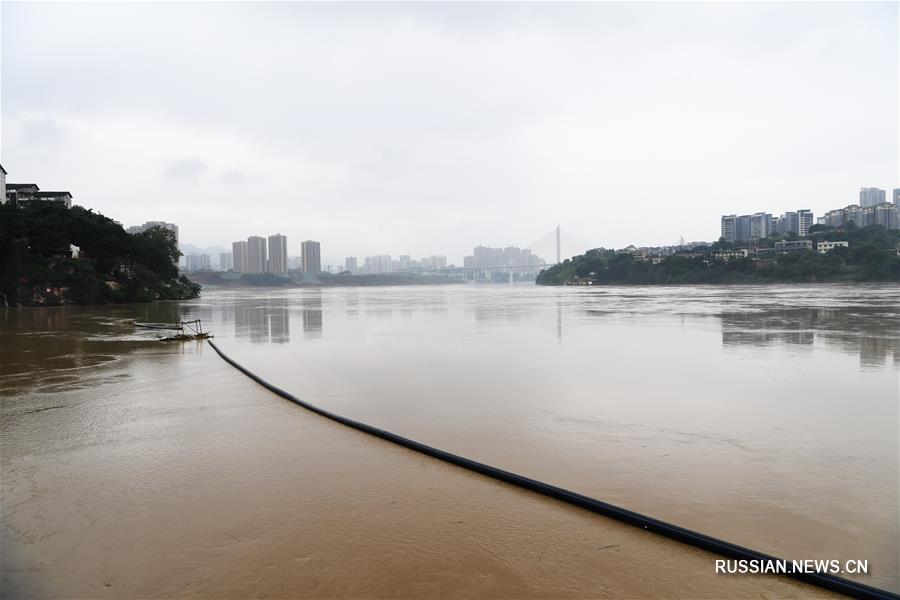 Уровень воды на чунцинском участке реки Цзялинцзян заметно повысился