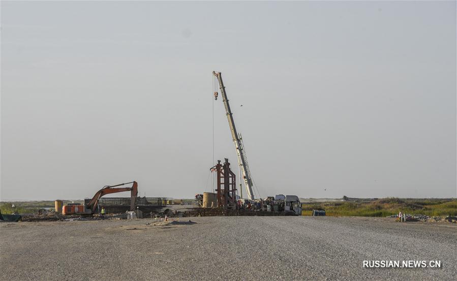 Строительство скоростной автомагистрали в районе озера Тайтэма