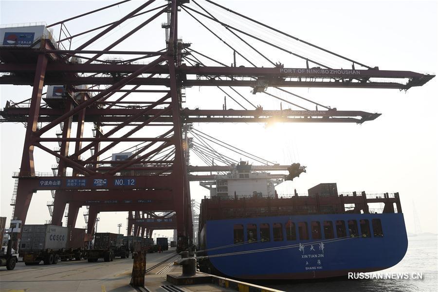 Порт Нинбо-Чжоушань стремительно развивался в первой половине 2018 года