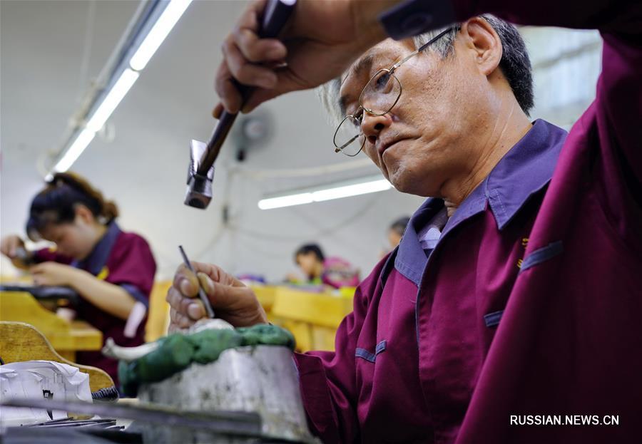 Развитие производства золотых и серебряных изделий в городском уезде Цзуньхуа провинции Хэбэй