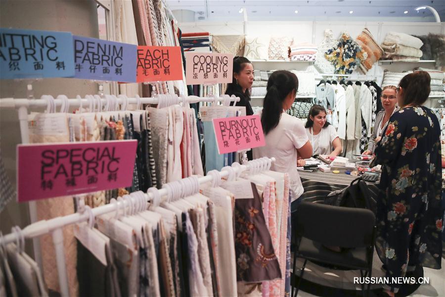 В Нью-Йорке проходит 19-я Китайская выставка-продажа текстиля и одежды