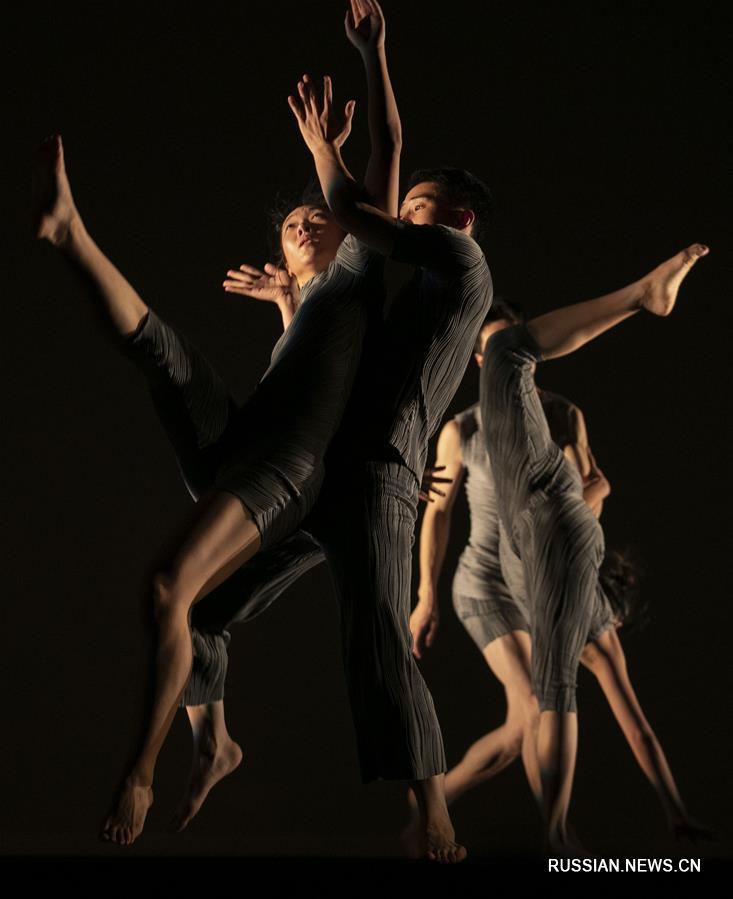 """На фестивале искусств """"Фриндж"""" в Эдинбурге был показан китайский танцевальный спектакль """"Туту"""""""