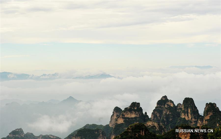 """Туман в ландшафтном парке """"Ланъяшань"""""""