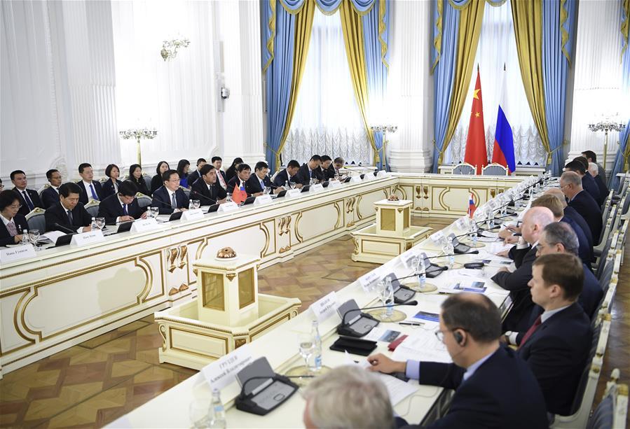 Хань Чжэн встретился с заместителем председателя правительства России А.Силуановым
