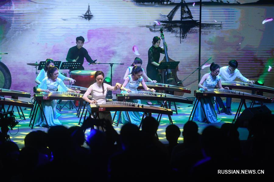 """""""Наследие песенной культуры"""" продолжилось в китайском городе Ханчжоу новой программой"""