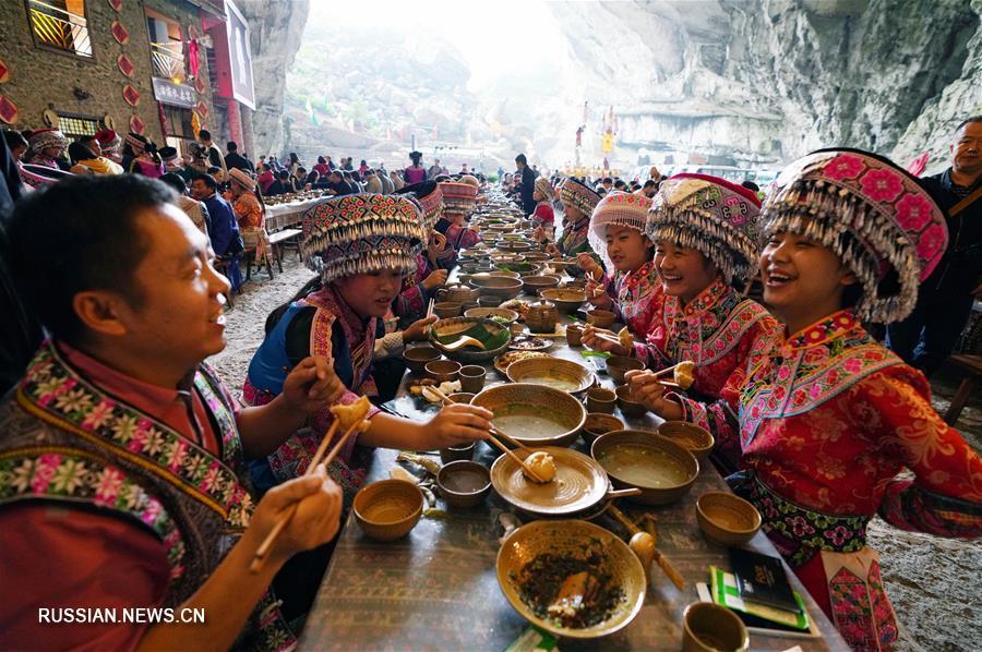 В уезде Синвэнь пров. Сычуань развитие туризма помогает местным жителям избавиться от нищеты