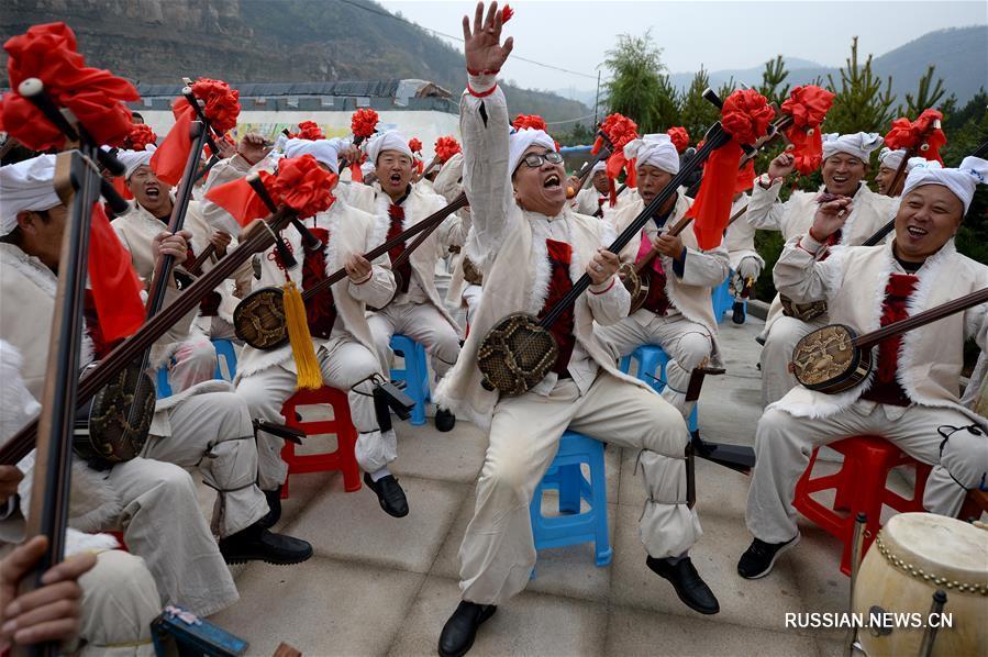 Народное искусство способствует развитию сельского туризма на северо-западе Китай