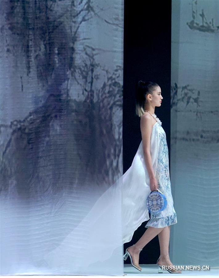 Новые фото с Китайской международной недели моды в Пекине