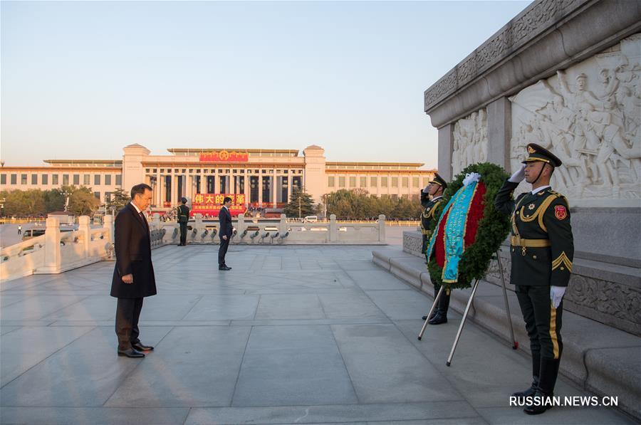 Премьер-министр Казахстана Б. Сагинтаев возложил венок к Памятнику павшим народным героям в Пекине