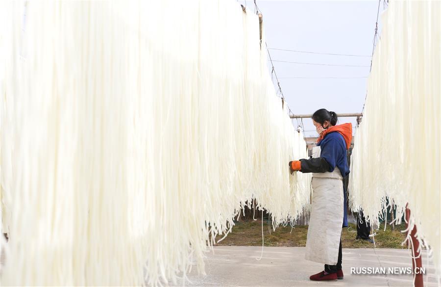 Производство лапши в Линься