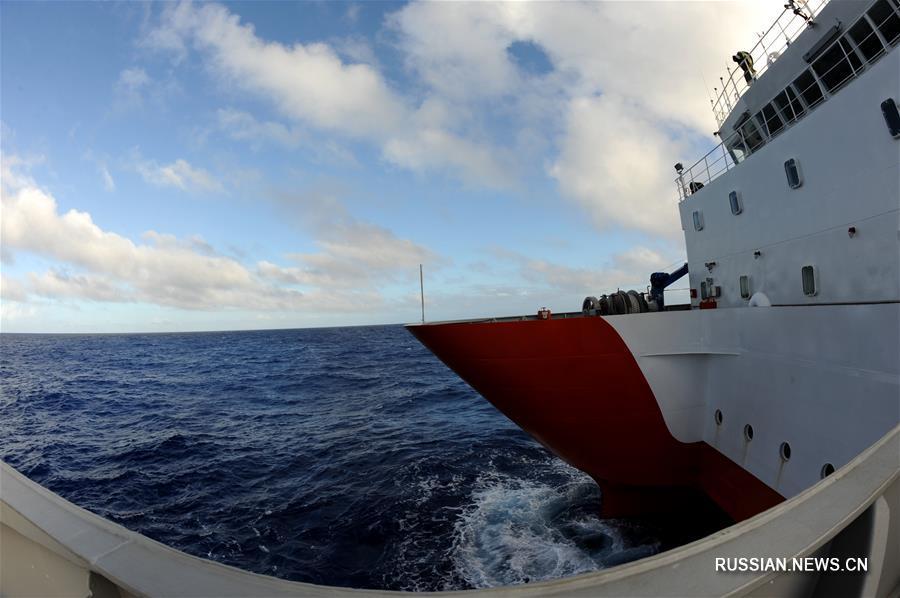 """Китайское судно """"Шэнь Ко"""" приступило к исследованиям и экспериментам в западной части Тихого океана"""