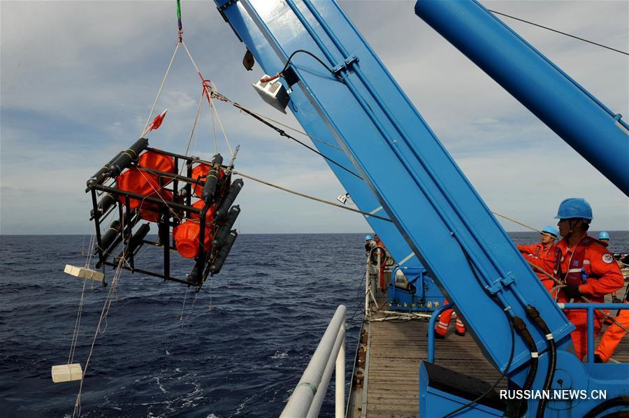 """Китайские спускаемые аппараты второго поколения """"Цайхунъюй"""" совершили тестовые погружения на глубину свыше 10 тыс м"""