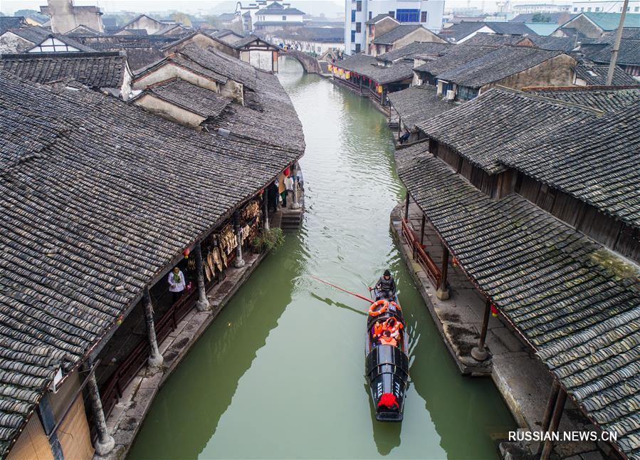 Предпраздничная атмосфера в древнем водном поселке Аньчан