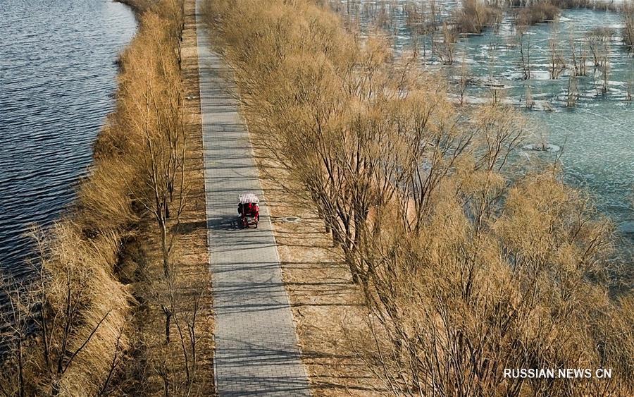 В Пекине открылся после зимы парк Еяху