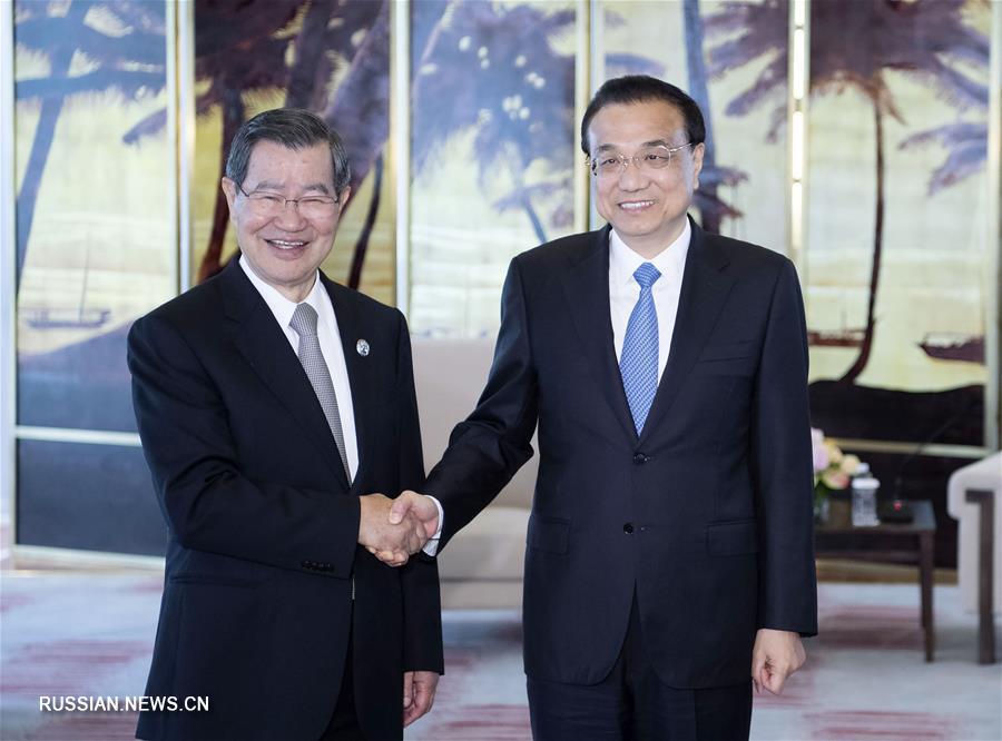 Ли Кэцян встретился с Сяо Ванчаном
