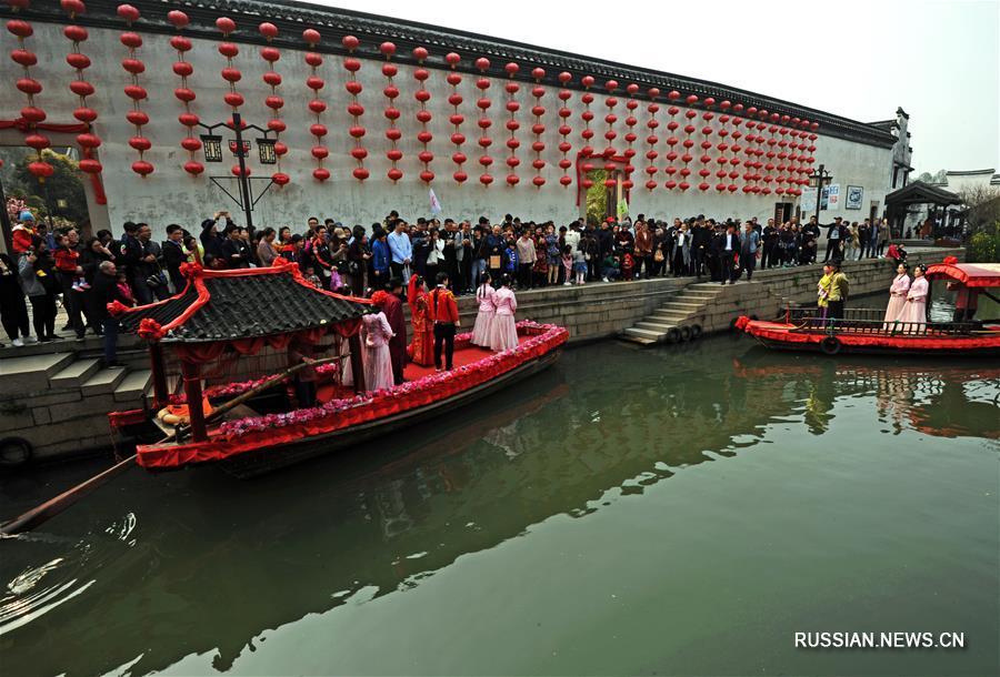 Весна в древнем городке Наньсюнь в провинции Чжэцзян
