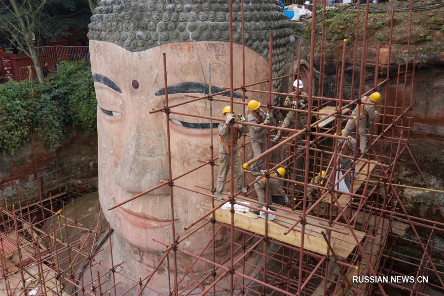 В провинции Сычуань вновь можно увидеть скульптуру Лэшаньского Будды
