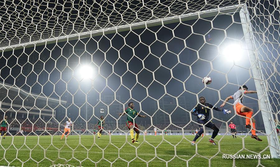Футбол -- Уханьский турнир четырех стран по женскому футболу 2019: китаянки выиграли чемпионский титул