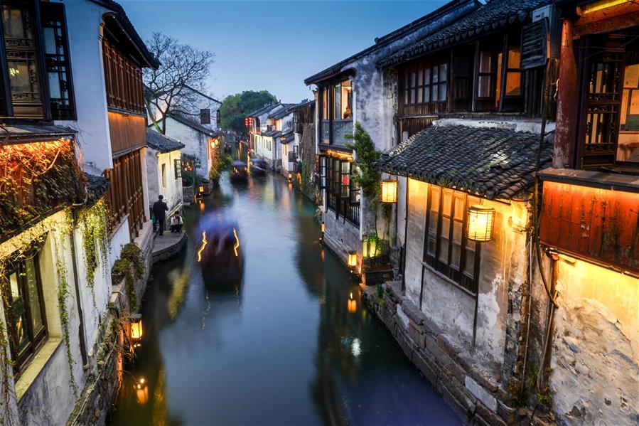 Весенний вечер в древнем городке Чжоучжуан