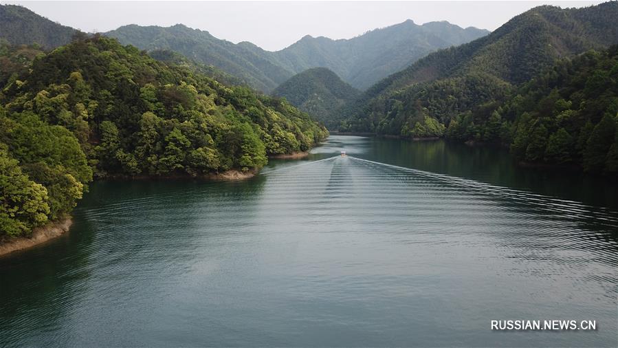 Очаровательные виды ландфаштного парка Тайпинху в провинции Аньхой