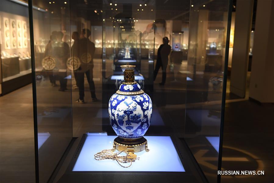 Выставка цзиндэчжэньского фарфора, вернувшегося на родину из-за границы