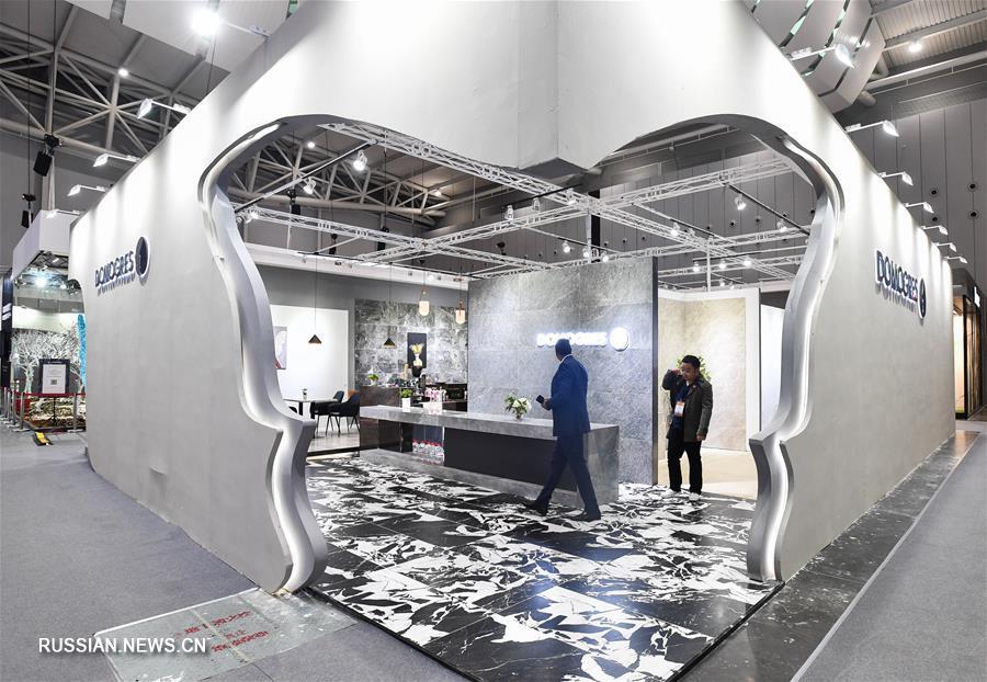 В Фошане проходит Китайская международная выставка керамической и сантехнической продукции 2019