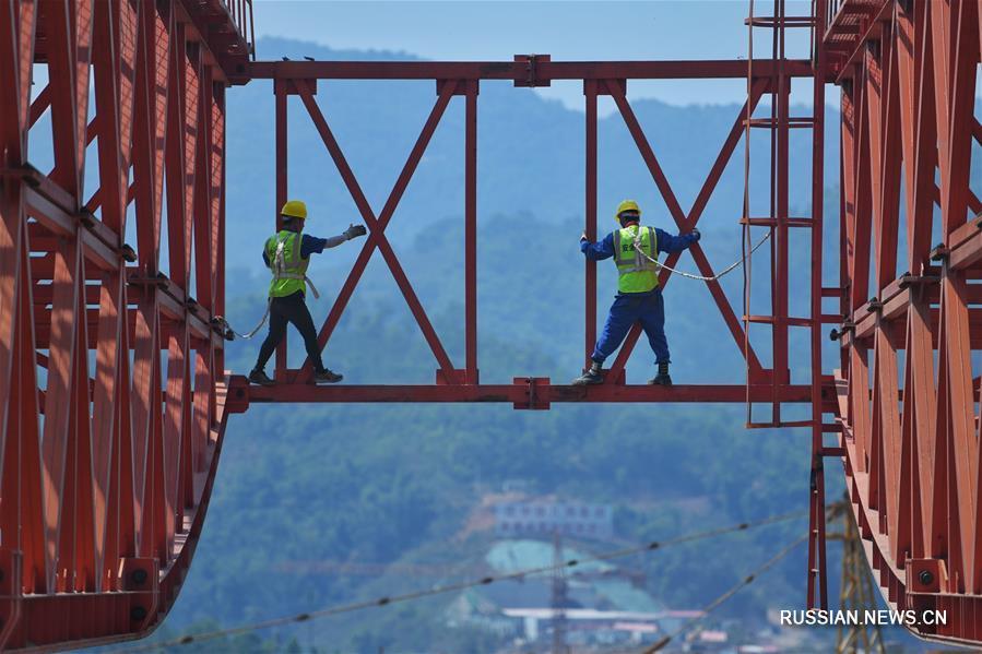 Продолжается строительство железнодорожной магистрали Китай-Лаос