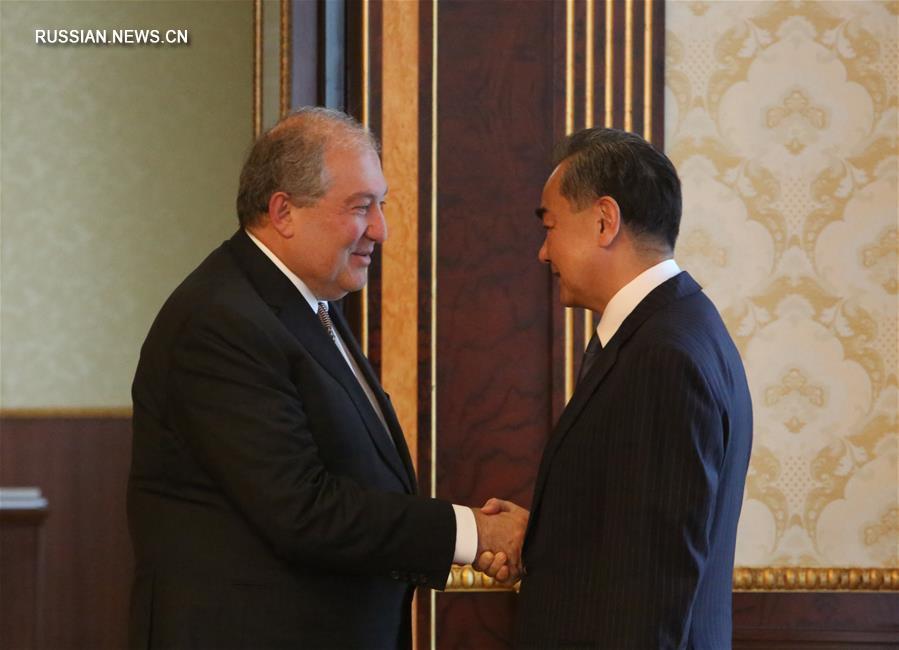 Президент Армении А. Саркисян встретился с Ван И