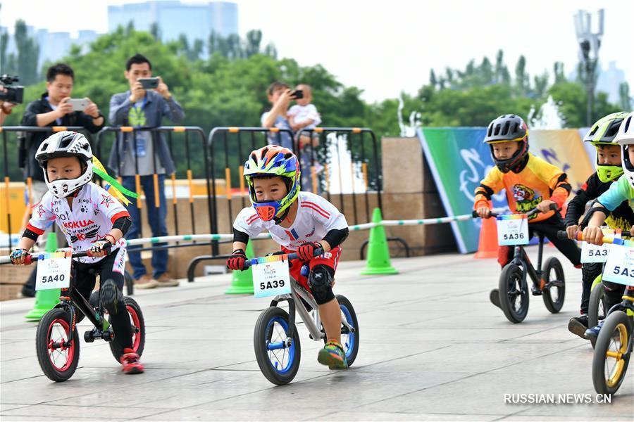 Здоровье нации -- Гонка на детских велосипедах в Тайюане