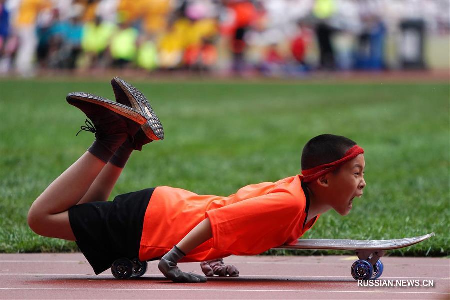 """Здоровье нации -- Школьный фестиваль физкультуры на стадионе """"Птичье гнездо"""""""