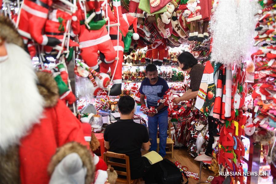 В Иу наступил пиковый сезон рождественских заказов