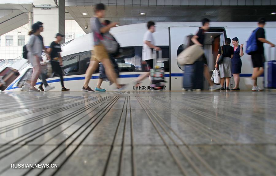В Китае введен особый режим пассажироперевозок на ж/д транспорте в связи с наступлением летних каникул