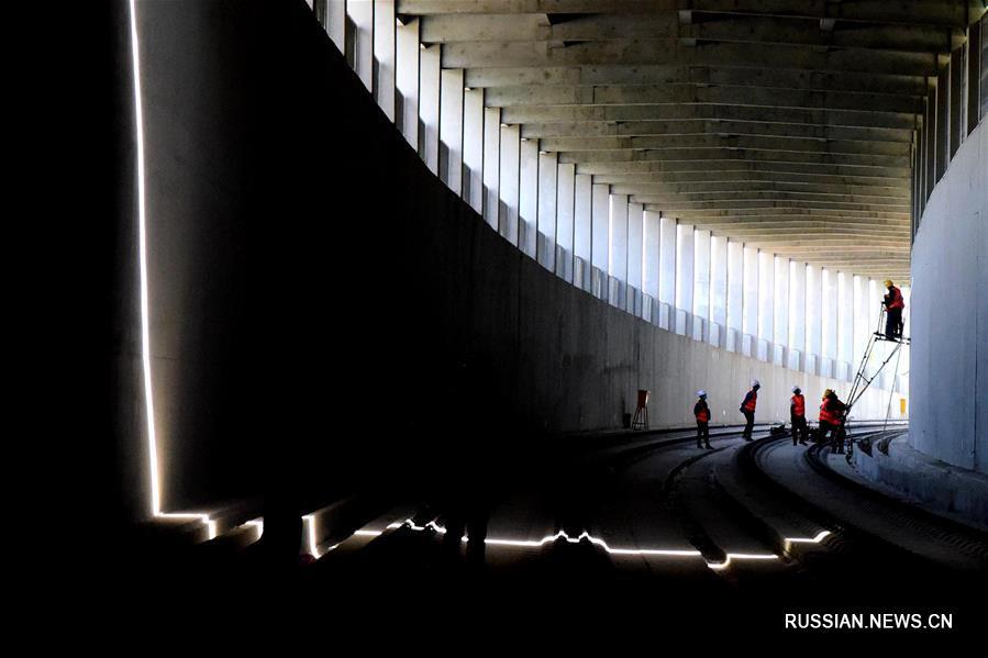 Строительство железнодорожной ветки между аэропортом Синьчжэн и Южным вокзалом в Чжэнчжоу