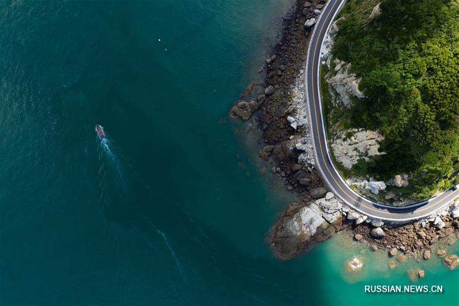 Разноцветное шоссе на острове Наньцзи