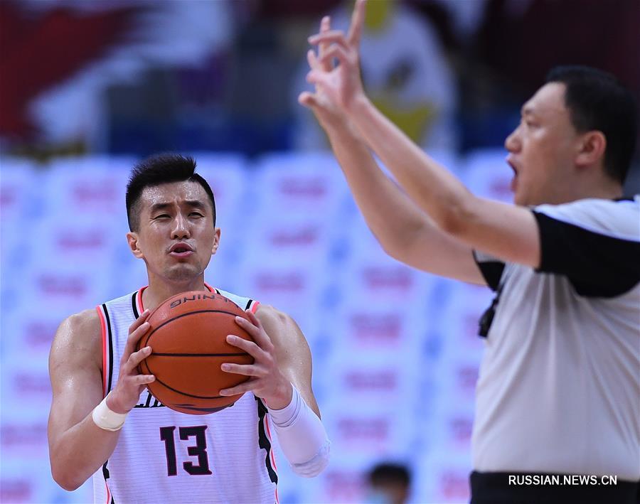 Баскетбол -- Плей-офф чемпионата CBA: Ляонин Флаин Леопардс вышел в полуфинал