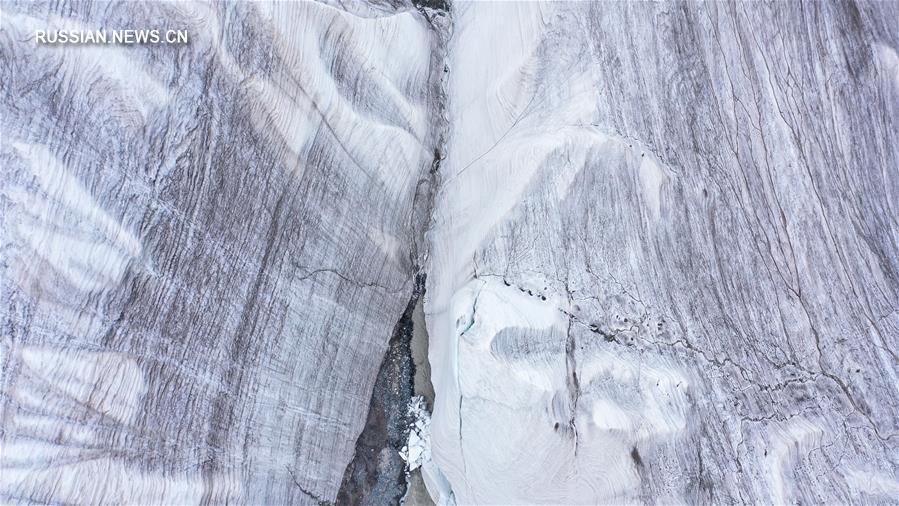 Ледник Ганцзяцюйба у истока Янцзы