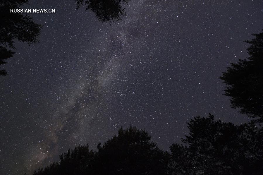 Звездное небо над самым восточным городом Китая