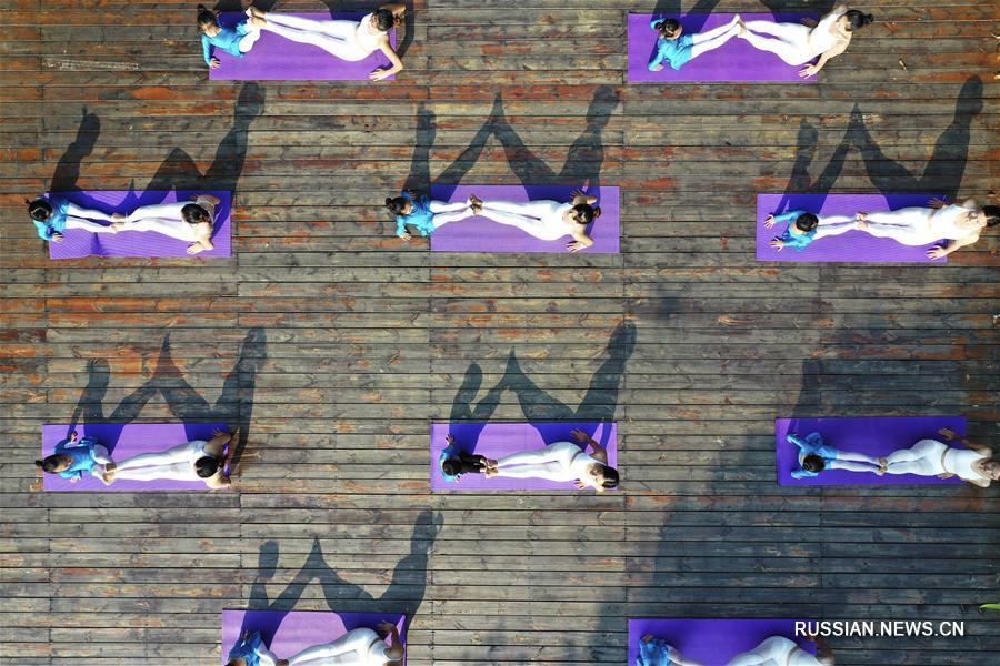 Здоровье нации -- Йога под открытым небом
