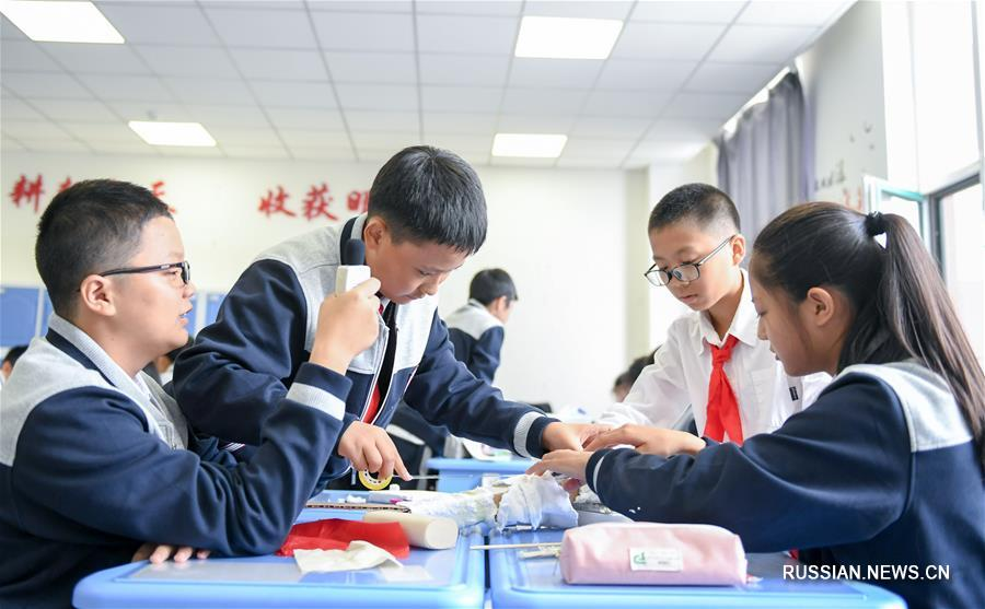 Уроки науки и техники в чанчуньской школе