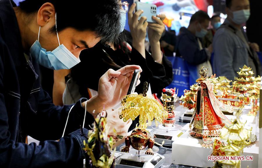 В Шанхае открылась 19-я Китайская международная выставка игрушек и обучающих устройств