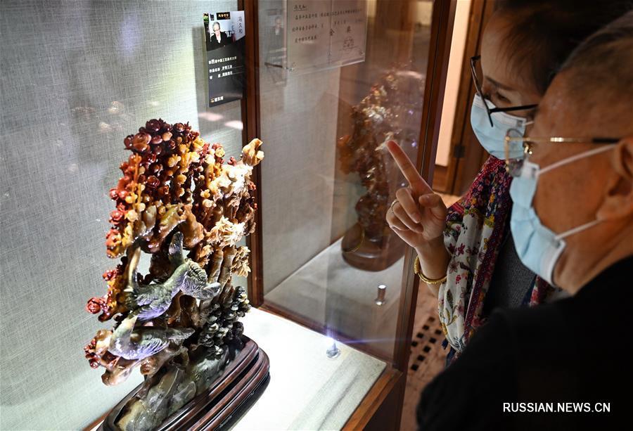 Выставка призовых работ из агальматолита в Фучжоу