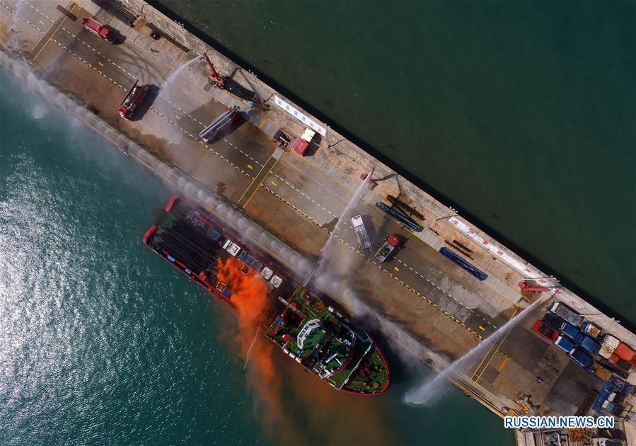 Учения по тушению пожара и ликвидации утечки нефтепродуктов в Санья