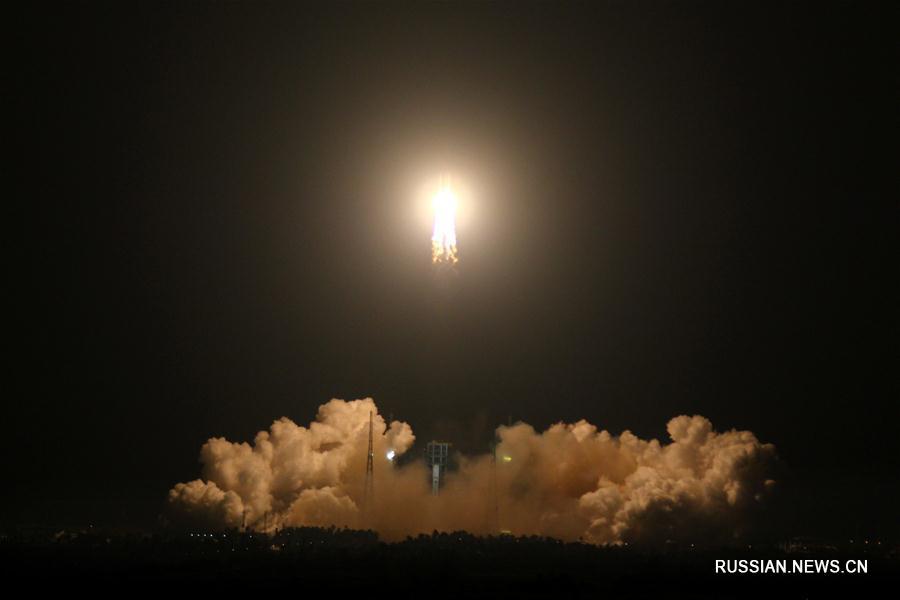 """Китай успешно осуществил первый запуск ракеты-носителя """"Чанчжэн-5"""""""