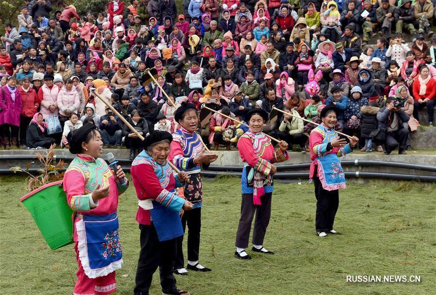Ийцы уезда Малун празднуют Лунтайтоу