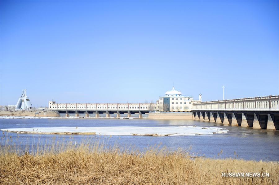 Участок реки Хуанхэ во Внутренней Монголии освобождается от льда