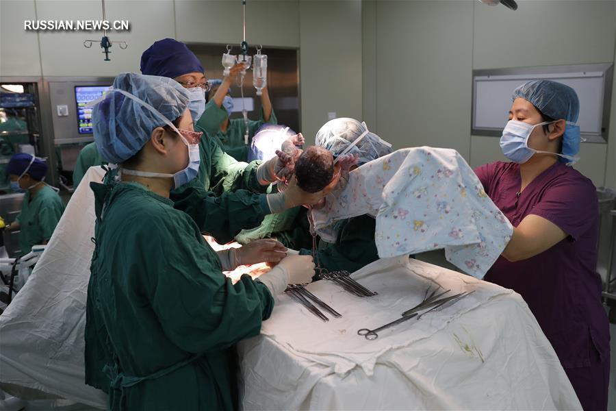 Использование генетической диагностики эмбрионов позволило жительнице Шанхая родить здорового ребенка