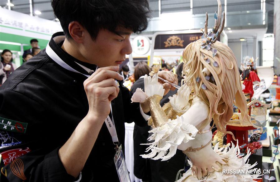 Шедевры кондитерского искусства на конкурсе в Шанхае