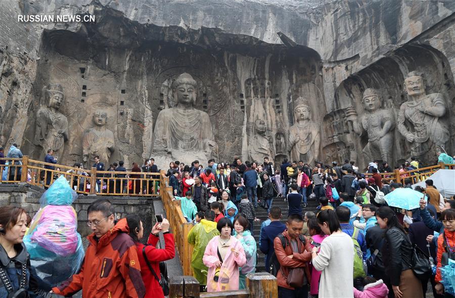 В дни праздничных каникул жители Китая совершили почти 100 млн туристических поездок