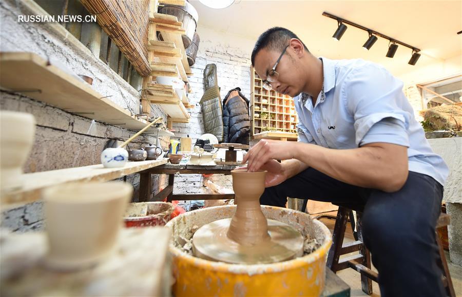 Негаснущий огонь в печах 400-летней гончарни Юэцзи